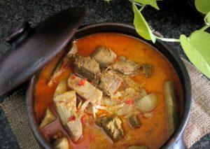 Gulai nangka daging sapi.